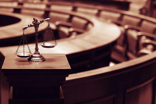A permanência do paradigma constitucional do Estado Democrático de Direito como forma de combate à despolitização